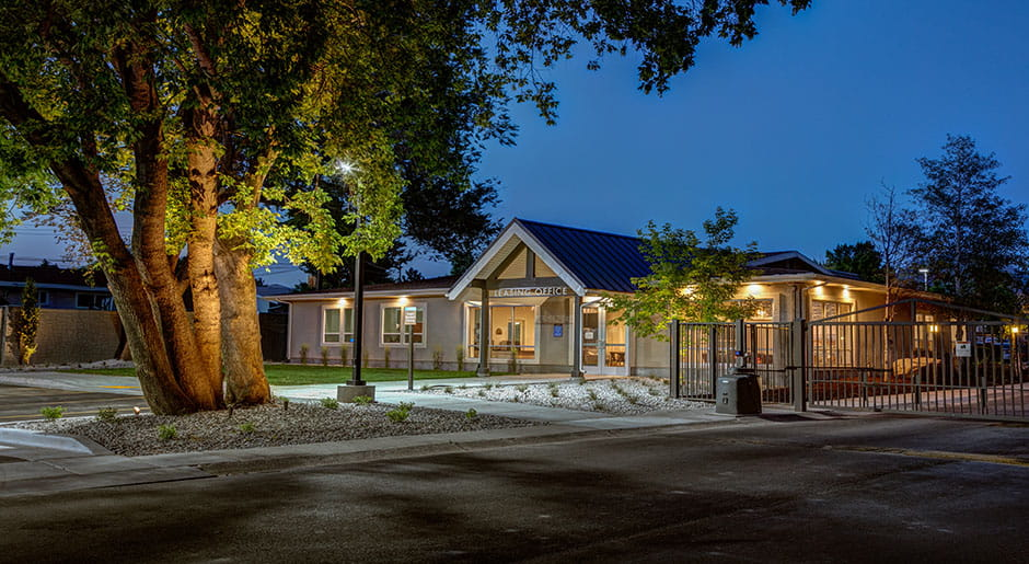 Country Lake Apartments