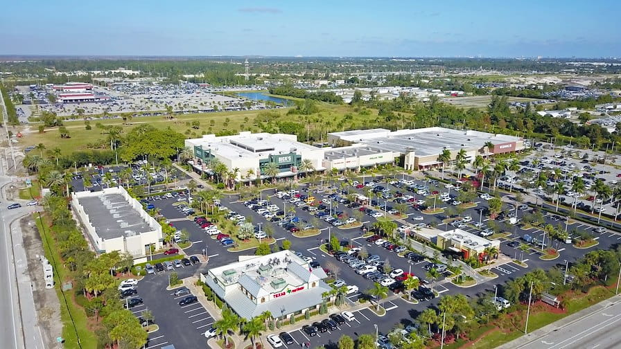 The Shoppes at Southern Palms